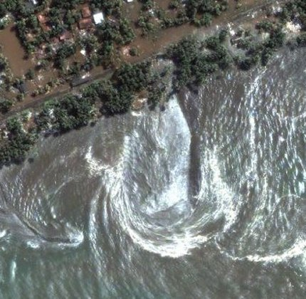 Asian Tsunami Imagery - Sri Lanka