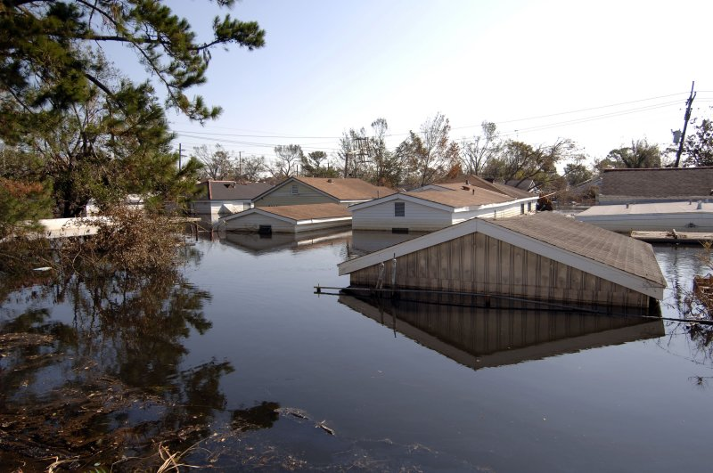 Pin New Orleans Hurricane Katrina People On Roofs on Pinterest