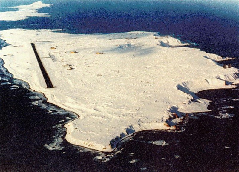 http://www.globalsecurity.org/space/facility/images/eareckson_shemya-island.jpg