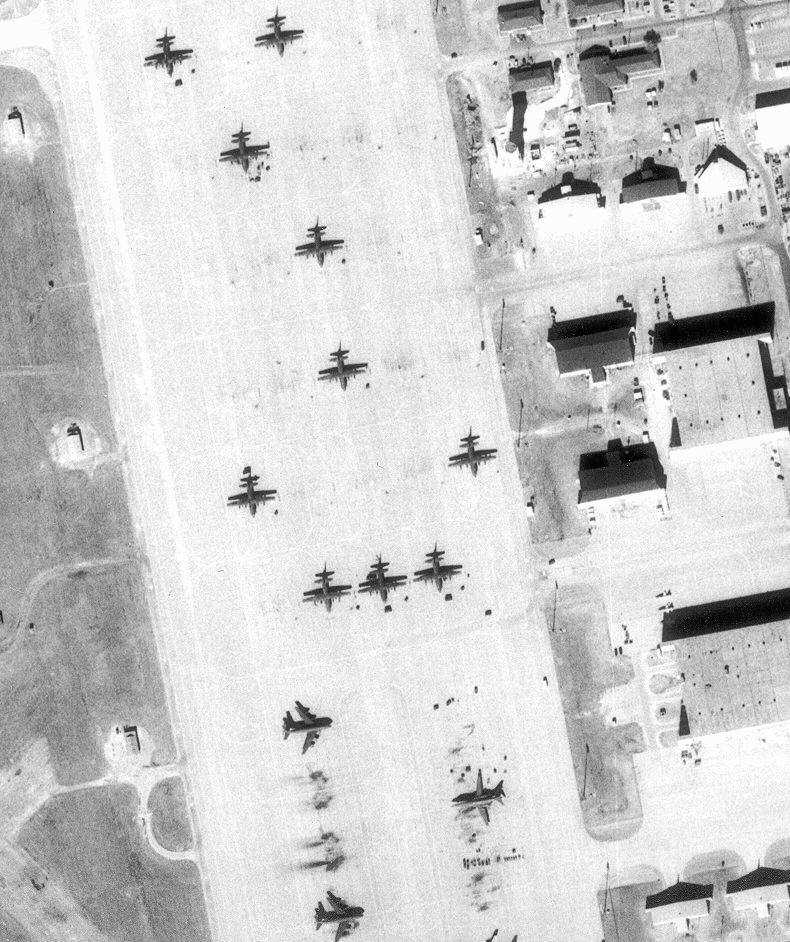 dyess afb The 40th airlift squadron is a united states air force unit based at dyess air force base, texas  dyess afb on 16 july 1993, the 40th was inactivated.
