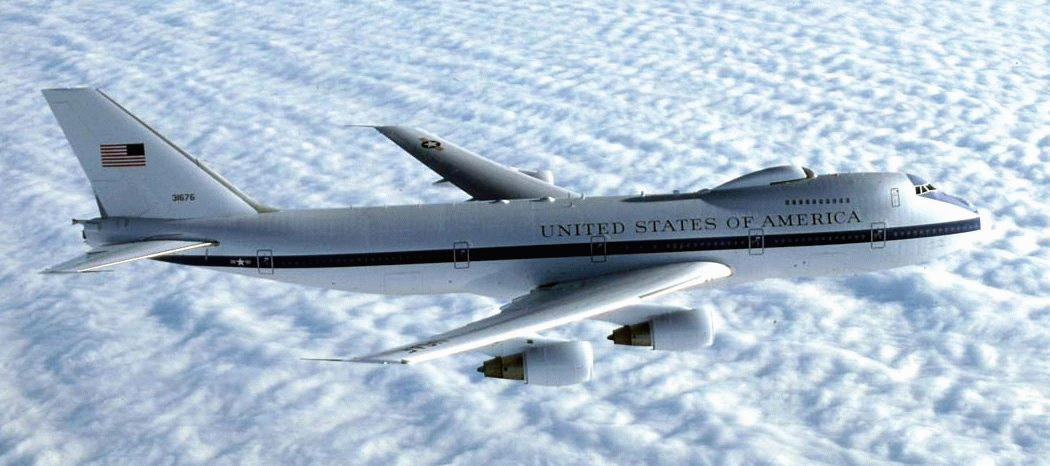 http://www.globalsecurity.org/wmd/systems/images/e-4b-clouds.jpg